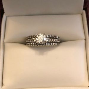 Helzberg Diamonds Engagement Ring with bands